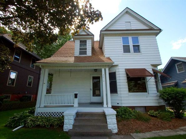 4 bed 2 bath Single Family at 2014 Tremont Ave Davenport, IA, 52803 is for sale at 123k - 1 of 24