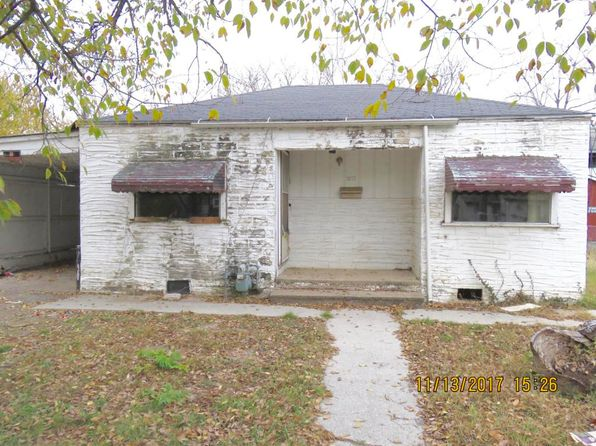 3 bed 2 bath Single Family at 1217 Iowa Ave Joplin, MO, 64801 is for sale at 12k - google static map
