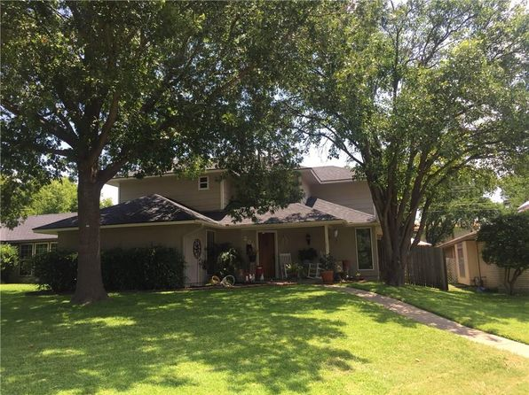 3 bed 3 bath Single Family at 206 Willowwood Pl Duncanville, TX, 75116 is for sale at 260k - 1 of 19