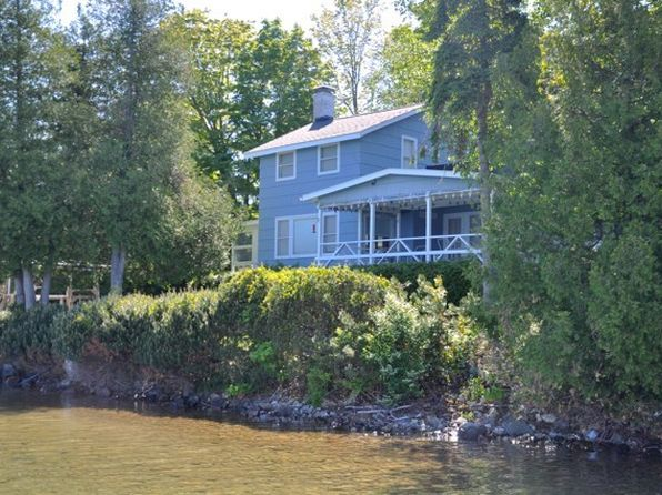 6 bed 3.5 bath Single Family at 1873 Bear Foot Ln Walloon Lake, MI, 49796 is for sale at 1.15m - 1 of 17