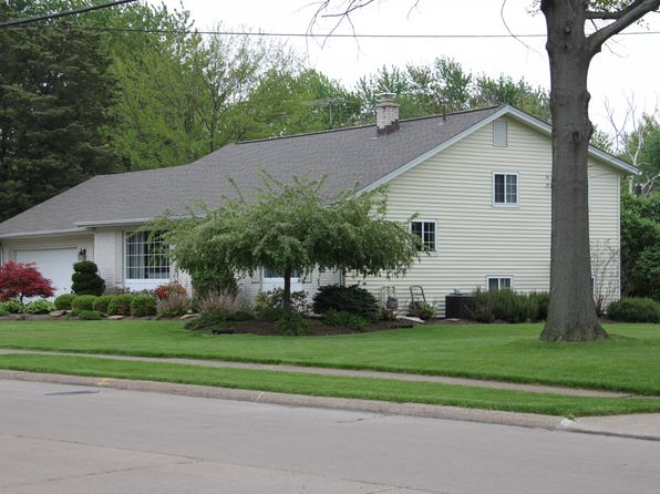 4 bed 2 bath Single Family at 319 Alice St Port Clinton, OH, 43452 is for sale at 193k - 1 of 26
