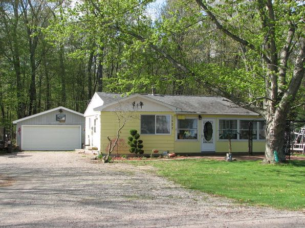 3 bed 1 bath Single Family at 8245 Crescent Beach Rd Sand Point, MI, 48755 is for sale at 90k - google static map
