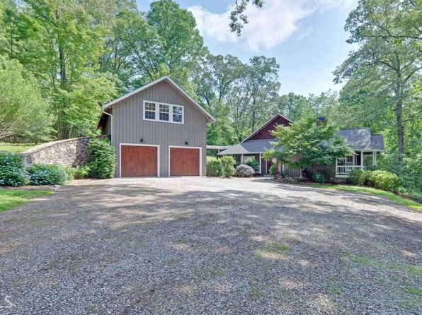 2 bed 4 bath Single Family at 34 Barn Inn Rd Lakemont, GA, 30552 is for sale at 599k - 1 of 25