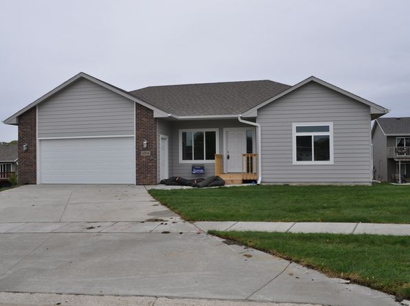 3 bed 2 bath Single Family at  1004 Pine Brooke Court Clear Lake, IA, 50428 is for sale at 240k - 1 of 17