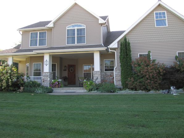 4 bed 4 bath Single Family at 2314 Deer Ridge Cir Le Claire, IA, 52753 is for sale at 490k - 1 of 28