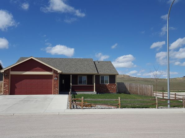 3 bed 2 bath Single Family at 800 Sako Dr Gillette, WY, 82718 is for sale at 240k - 1 of 24
