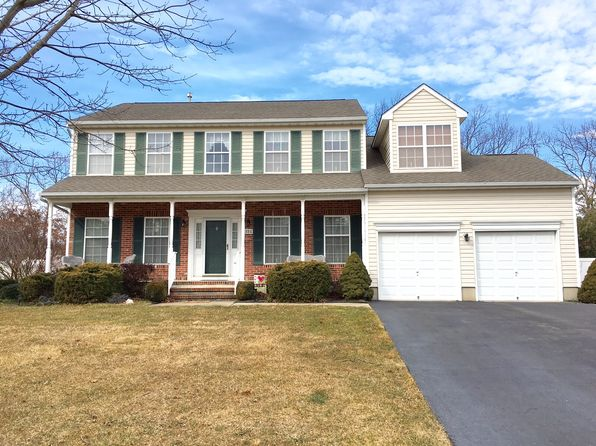 4 bed 3 bath Single Family at 215 Brittany Ln Toms River, NJ, 08755 is for sale at 450k - 1 of 22