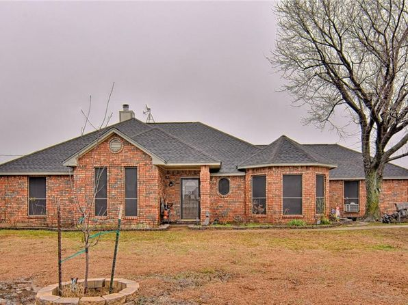 4 bed 3 bath Single Family at 651 E REINDEER RD LANCASTER, TX, 75146 is for sale at 240k - 1 of 32