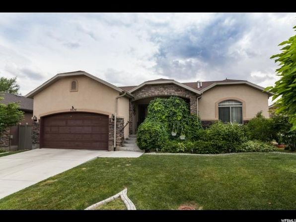3 bed 2 bath Single Family at 3536 E Braxton W Dr Eagle Mountain, UT, 84005 is for sale at 285k - 1 of 22
