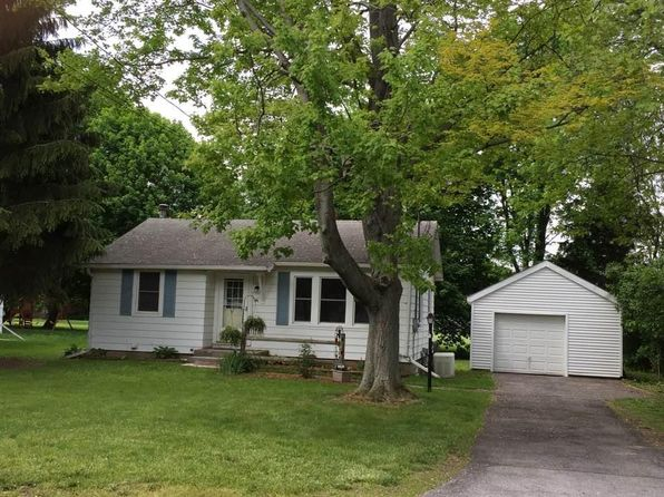 2 bed 1 bath Single Family at 84 Clifton St Phelps, NY, 14532 is for sale at 90k - 1 of 24