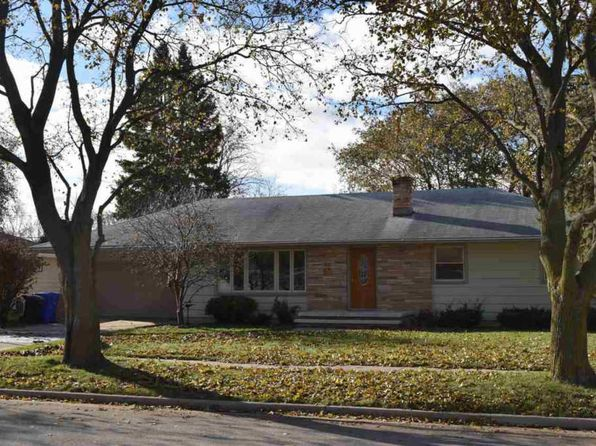 3 bed 1.5 bath Single Family at 1801 N Gillett St Appleton, WI, 54914 is for sale at 140k - 1 of 19