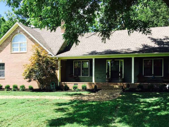 4 bed 3 bath Single Family at 202 RAILROAD BED PIKE SUMMERTOWN, TN, 38483 is for sale at 245k - 1 of 22