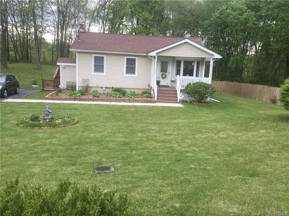 3 bed 1 bath Single Family at 353 Ruskey Ln Hyde Park, NY, 12538 is for sale at 179k - 1 of 18