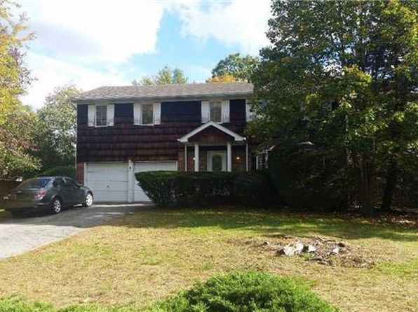 5 bed 2.5 bath Single Family at 35 Lawrence Dr Nesconset, NY, 11767 is for sale at 535k - 1 of 20
