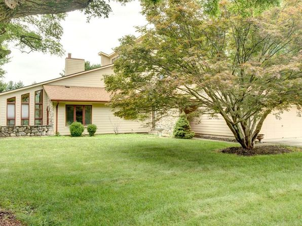 4 bed 3 bath Single Family at 4825 Horseman Dr Fairborn, OH, 45324 is for sale at 280k - 1 of 36