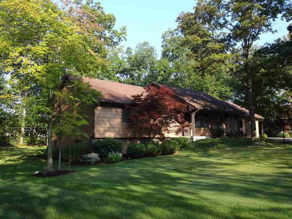 3 bed 3 bath Single Family at 2002 Candlewick Ct Fort Wayne, IN, 46804 is for sale at 195k - 1 of 25