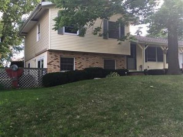 3 bed 2 bath Single Family at 2216 Church St Pekin, IL, 61554 is for sale at 110k - 1 of 32