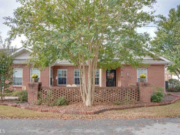 3 bed 2 bath Condo at 137 Villa Park Cir Stone Mountain, GA, 30087 is for sale at 200k - 1 of 21