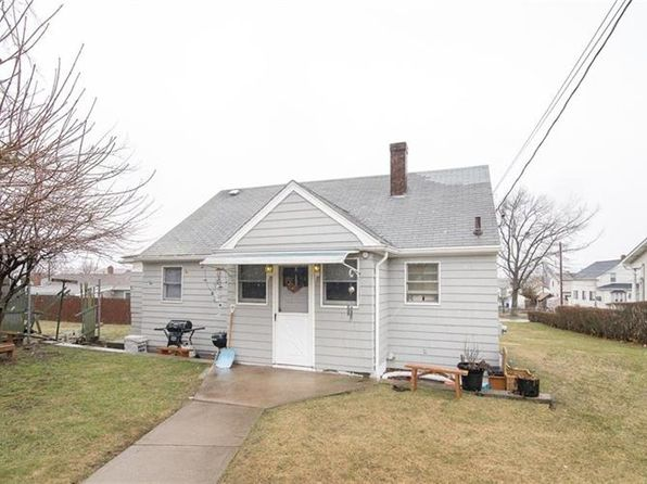 3 bed 1 bath Single Family at 175 S Rose St East Providence, RI, 02914 is for sale at 159k - 1 of 14