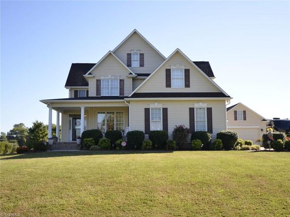 3 bed 3 bath Single Family at 121 Lakewalk Dr Reidsville, NC, 27320 is for sale at 295k - 1 of 30