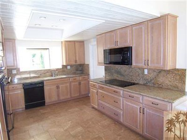 3 bed 2 bath Single Family at 71315 KEMPTON AVE RANCHO MIRAGE, CA, 92270 is for sale at 390k - 1 of 16