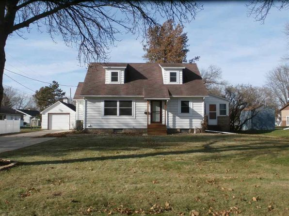 4 bed 2 bath Single Family at 421 S Locust Ave New Hampton, IA, 50659 is for sale at 135k - 1 of 14