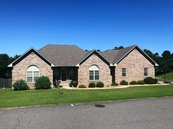 3 bed 2 bath Single Family at 124 Mountain Point Rd S Russellville, AR, 72802 is for sale at 215k - 1 of 27