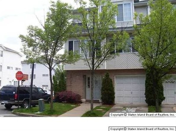 4 bed 4 bath Townhouse at 20 Red Cedar Ln Staten Island, NY, 10309 is for sale at 650k - 1 of 7