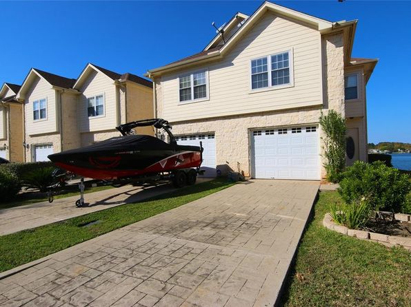 3 bed 2.5 bath Townhouse at 17570 Highway 105 W Montgomery, TX, 77356 is for sale at 349k - 1 of 36
