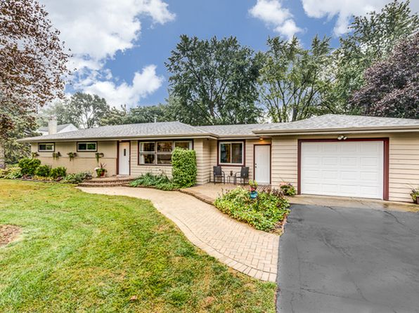 4 bed 2 bath Single Family at 711 Valley View Dr Schaumburg, IL, 60193 is for sale at 315k - 1 of 31