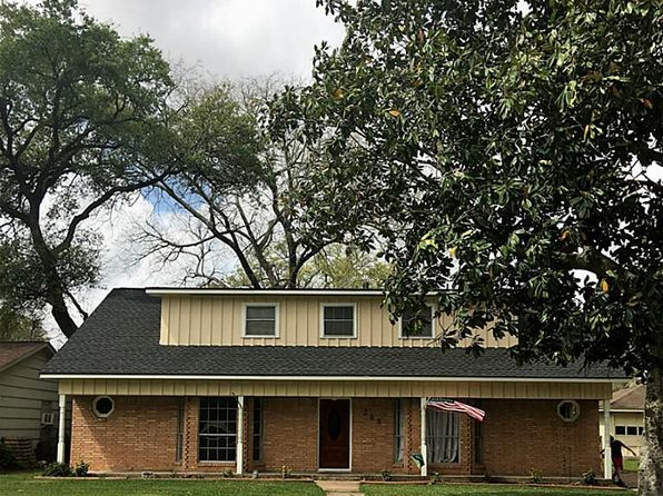 4 bed 2 bath Single Family at 208 Pine St Lake Jackson, TX, 77566 is for sale at 233k - 1 of 16