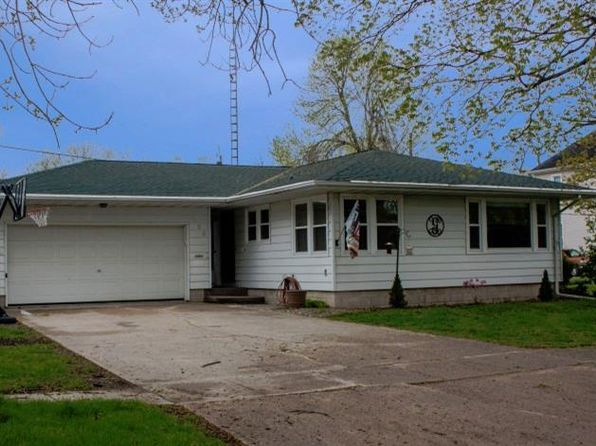 3 bed 1.75 bath Single Family at 108 5th St SE Hampton, IA, 50441 is for sale at 90k - 1 of 19