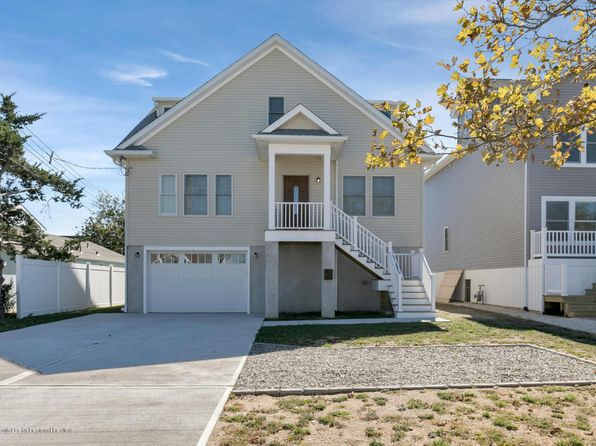 4 bed 2 bath Single Family at 110 Broadway Point Pleasant Beach, NJ, 08742 is for sale at 625k - 1 of 30