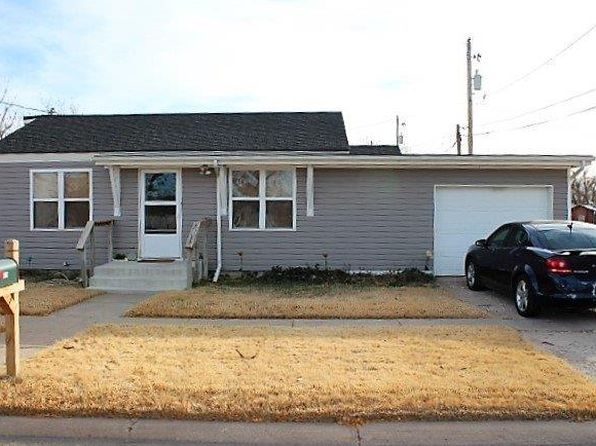 2 bed 1 bath Single Family at 908 W 6TH ST LIBERAL, KS, 67901 is for sale at 68k - 1 of 9