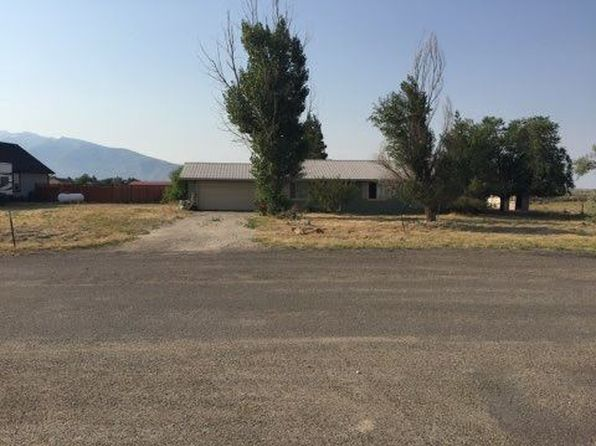 3 bed 2 bath Single Family at 13 LAWNDALE CT SPRING CREEK, NV, 89815 is for sale at 195k - 1 of 5