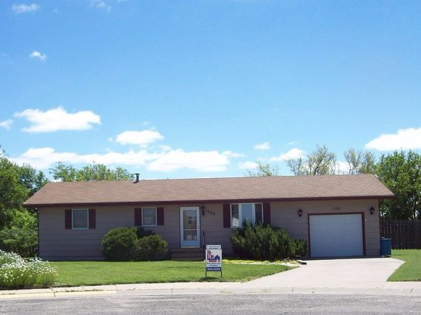 3 bed 1.5 bath Single Family at 1208 E 31st St Hays, KS, 67601 is for sale at 148k - 1 of 24