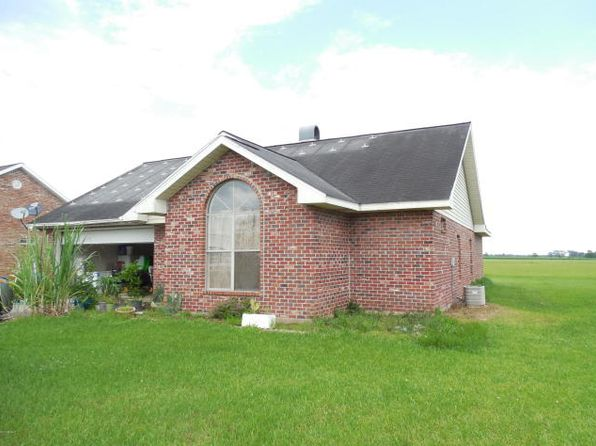 3 bed 2 bath Single Family at 1611 Wildcat Dr Abbeville, LA, 70510 is for sale at 145k - 1 of 4