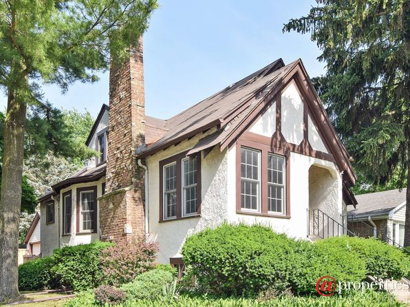 3 bed 3 bath Single Family at 670 S Fairfield Ave Elmhurst, IL, 60126 is for sale at 445k - 1 of 16