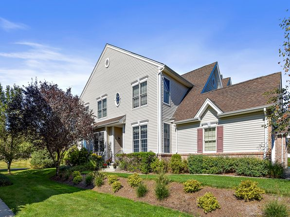 3 bed 3 bath Condo at 17 Chiusa Ln Cortlandt Manor, NY, 10567 is for sale at 610k - 1 of 19