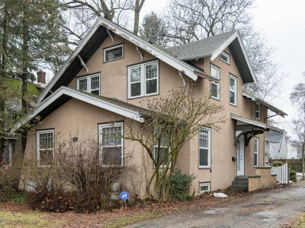 3 bed 3 bath Single Family at 1830 Oakland Dr Kalamazoo, MI, 49008 is for sale at 200k - 1 of 19
