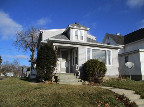 3 bed 1 bath Single Family at 1622 Division St Manitowoc, WI, 54220 is for sale at 53k - 1 of 6