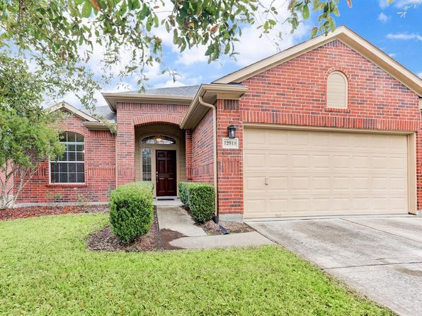 3 bed 2 bath Single Family at 12919 MEADOW SPRINGS DR PEARLAND, TX, 77584 is for sale at 235k - 1 of 18