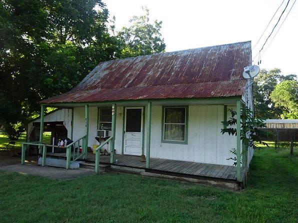 2 bed 1 bath Single Family at 905 Wolf St Schulenburg, TX, 78956 is for sale at 35k - 1 of 13