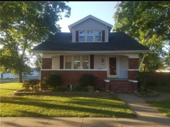 4 bed 2 bath Single Family at 587 W Maple St Nashville, IL, 62263 is for sale at 130k - 1 of 6