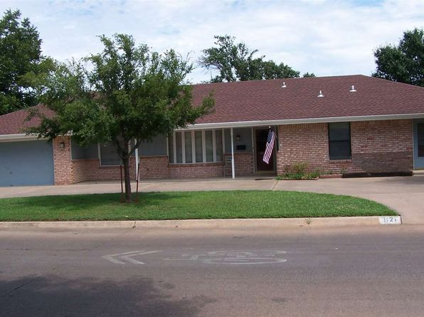 3 bed 3 bath Single Family at 1121 S Hoover St Enid, OK, 73703 is for sale at 139k - 1 of 13