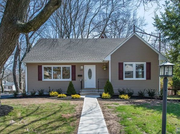 4 bed 2 bath Single Family at 225 Grace St Roselle, NJ, 07203 is for sale at 275k - 1 of 18