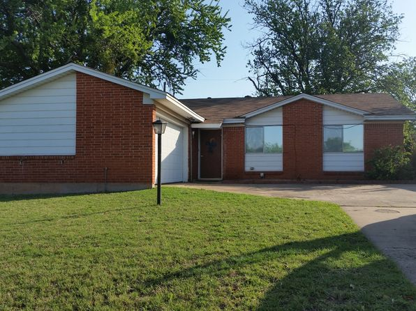3 bed 2 bath Single Family at 1110 W Cornelia Ave Iowa Park, TX, 76367 is for sale at 85k - 1 of 13