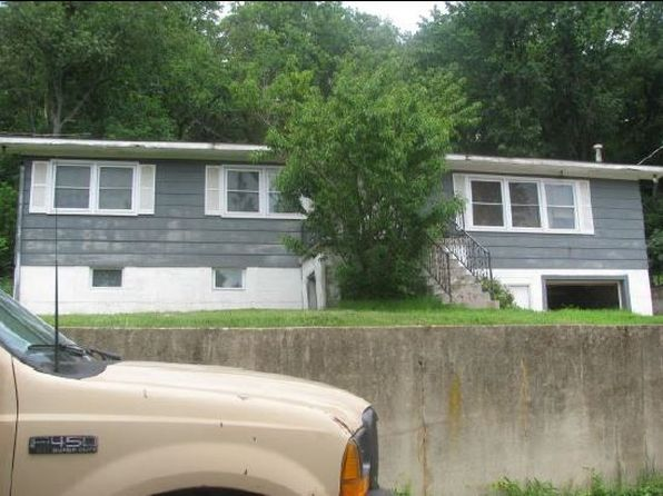 3 bed 1 bath Single Family at 117 Baptist St Macks Creek, MO, 65786 is for sale at 44k - 1 of 4