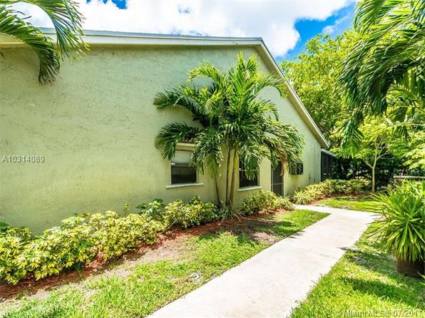 3 bed 2 bath Single Family at 7620 NW 38th Ct Sunrise, FL, 33351 is for sale at 200k - 1 of 43