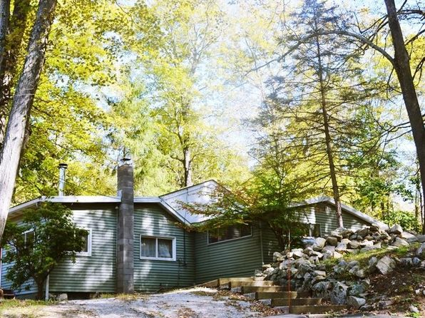 2 bed 1 bath Single Family at 95 E Mountain Rd S Cold Spring, NY, 10516 is for sale at 318k - 1 of 9